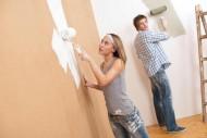 Wielu rodziców zastanawia się na jaki kolor pomalować ściany w pokoju dziecka. Pokój dziecka rządzi się swoimi prawami, dlatego powinniśmy uwzględnić to w czasie wybierania koloru ścian.