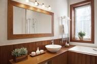łazienka, lustro, drewno, wnętrza. Fot. Fotolia